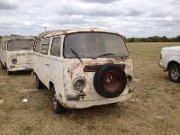 1971 VW Bus Camper w/ Sunroof